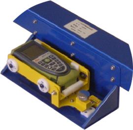 レーザー反射型建築限界測定器