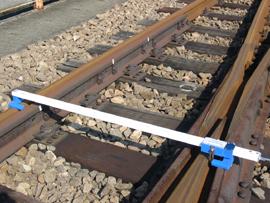 分岐器軌間線Ⅰ・Ⅱ寸法及びフランジウェー幅測定器本体